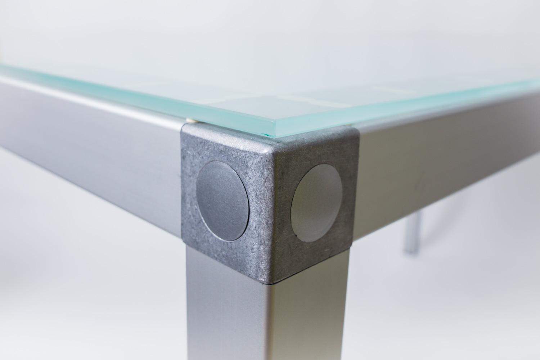 Eckverbinder mit Glasplatte
